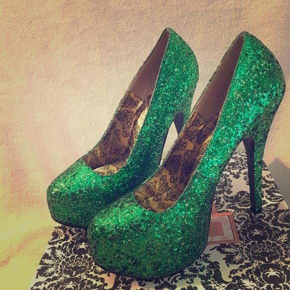 30e97b66ae4 Bordello Teeze Green Glitter Pumps NWT